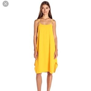 Beautiful yellow mid length Trina Turk dress XS